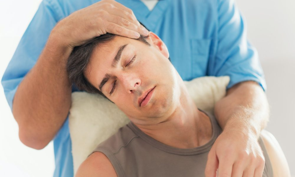 Osteopaths in Adelaide treating neck pain